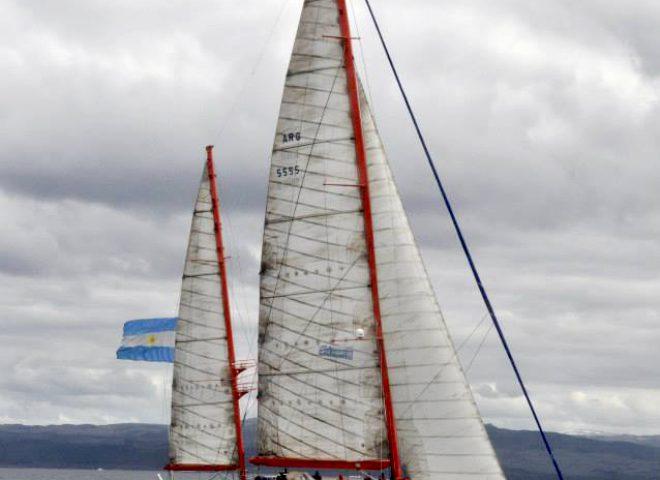 "Motovelero oceanográfico ""Dr. Bernando Houssay"". Gentileza Prefectura Naval Argentina"