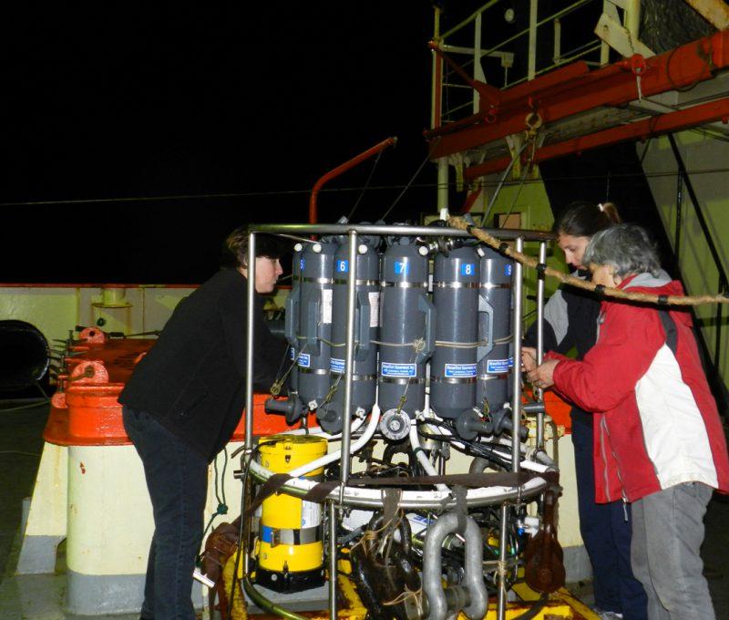 Campaña Oceanográfica Buque Puerto Deseado Octubre 2013 – III. Fuente: Alberto Piola.