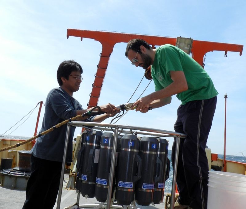 Campaña Oceanográfica Buque Puerto Deseado Octubre 2013 – IV. Fuente: Alberto Piola.