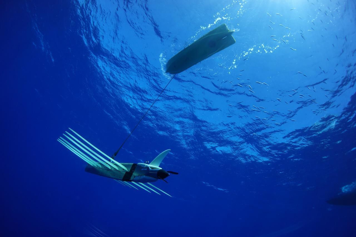wave glider - Liquid robotics.