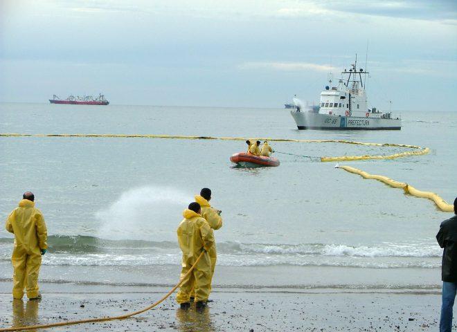 Protección ambiental. (Prefectura Naval Argentina)